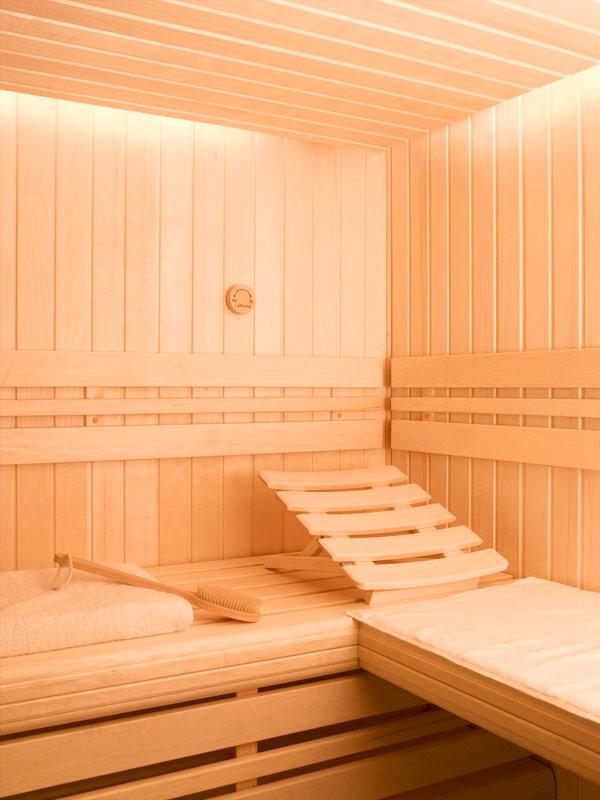Sauna et hammam bois bleu creations for Piscine sauna hammam